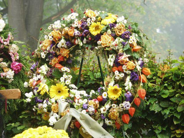 Arreglos Fúnebres El Significado De Las Coronas Hana Flowers